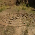 Någon har byggt en labyrint
