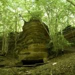 Mörkeklevs grotta